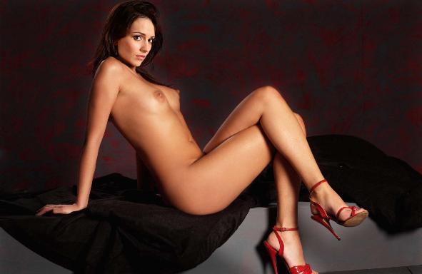 голая юлия назаренко фото в постели